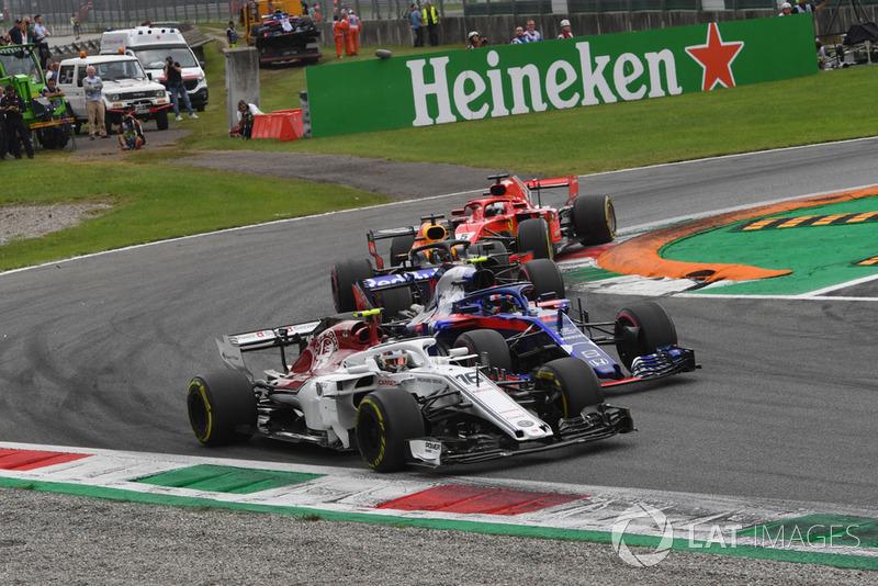 Charles Leclerc, Sauber C37, Pierre Gasly, Scuderia Toro Rosso STR13, Daniel Ricciardo, Red Bull Racing RB14 y Sebastian Vettel, Ferrari SF71H