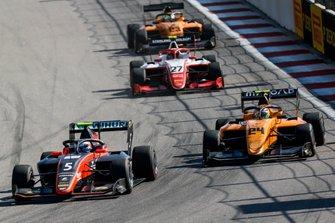 Симо Лааксонен, MP Motorsport, и Алессио Деледда, Campos Racing