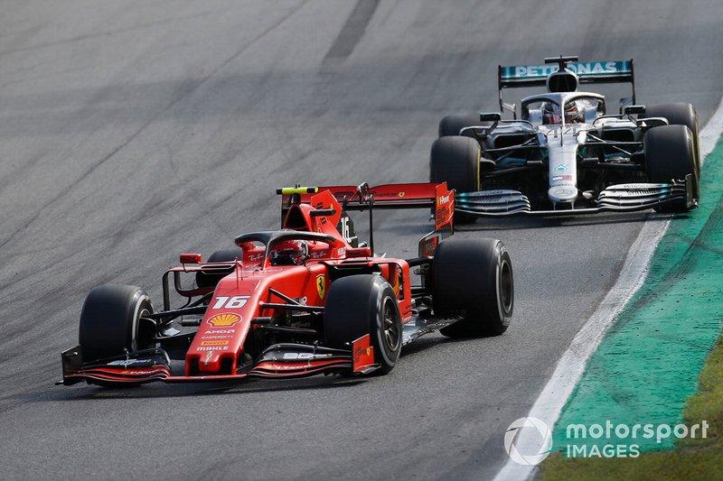Batalha entre Leclerc e Hamilton