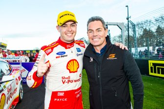 Race winner Scott McLaughlin, DJR Team Penske Ford, Craig Lowndes