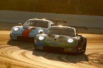 #86 Gulf Racing Porsche 911 RSR: Michael Wainwright, Benjamin Barker, Nico Bastian, Andrew Watson, #57 Team Project 1 Porsche 911 RSR: Egidio Perfetti, Jörg Bergmeister, Matteo Cairoli, David Heinemeier Hansson