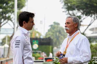 Toto Wolff, Mercedes AMG y Chase Carey
