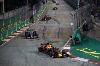 Max Verstappen, Red Bull Racing RB15, leads Valtteri Bottas, Mercedes AMG W10, Alexander Albon, Red Bull Racing RB15, and Nico Hulkenberg, Renault F1 Team R.S. 19