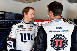 Brad Keselowski, Team Penske, Ford Mustang Miller Lite and Kevin Harvick, Stewart-Haas Racing, Ford Mustang Jimmy John's