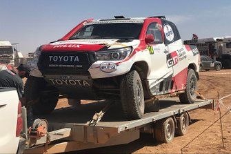 #314 Toyota Gazoo Racing Toyota Hilux: Fernando Alonso, Marc Coma, after the crash