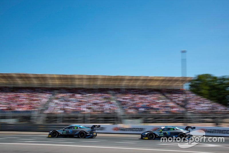 Jake Dennis, R-Motorsport, Aston Martin Vantage AMR, Daniel Juncadella, R-Motorsport, Aston Martin Vantage AMR