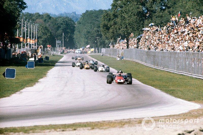 Clay Regazzoni, Ferrari 312B leads at the start