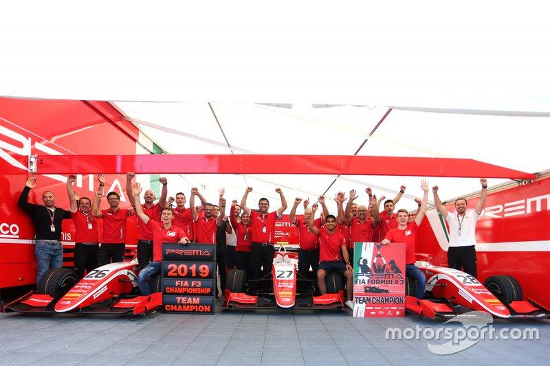 Team Prema Racing celebrate his Team championship
