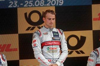 Podio: Il vincitore della gara Nico Müller, Audi Sport Team Abt Sportsline
