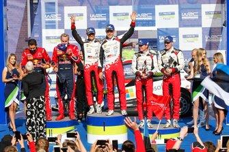 Podium : les vainqueurs Ott Tänak, Martin Järveoja, Toyota Gazoo Racing WRT Toyota Yaris WRC, les deuxièmes Esapekka Lappi, Janne Ferm, Citroën World Rally Team Citroen C3 WRC, les troisièmes Jari-Matti Latvala, Miikka Anttila, Toyota Gazoo Racing WRT Toyota Yaris WRC