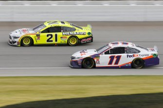Denny Hamlin, Joe Gibbs Racing, Toyota Camry FedEx Express Paul Menard, Wood Brothers Racing, Ford Mustang Menards / FVP