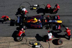 Pierre Gasly, Prema Powerteam, hace una parada en boxes
