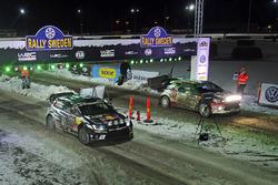 Jari-Matti Latvala, Miikka Anttila, Volkswagen Polo WRC, Volkswagen Motorsport et Kris Meeke, Paul Nagle, Citroën DS3 WRC, Abu Dhabi Total World Rally Team