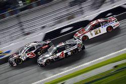 Austin Dillon, Richard Childress Racing Chevrolet, Kevin Harvick, Stewart-Haas Racing Chevrolet, Rya