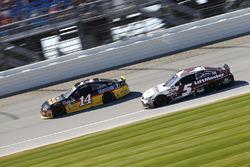 Tony Stewart, Stewart-Haas Racing, Chevrolet; Kasey Kahne, Hendrick Motorsports, Chevrolet