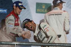 Podium: race winner Mark Webber, Porsche Team