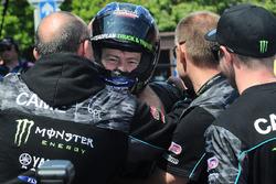 Ganador de la carrera Ian Hutchinson, Yamaha