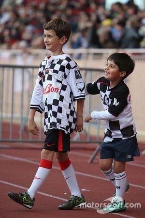 Felipinho Massa, Felipe Massa'nın oğlu, Williams, hayır kurumlarına destek için yapılan futbol maçın