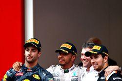 Lewis Hamilton, Mercedes AMG F1, Daniel Ricciardo, Red Bull Racing, and Sergio Perez, Force India at