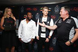 Dominique Siby, Felio Siby CEO ve Nico Hulkenberg, Sahara Force India F1 ve Otmar Szafnauer, Sahara