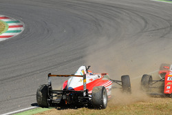 Mick Schumacher, Prema Powerteam and Juan Manuel Correa, Prema Powerteam crash