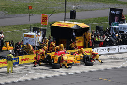 Ryan Hunter-Reay, Andretti Autosport Honda, pit action