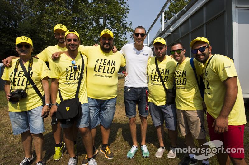 Lello' fans with Raffaele Marciello, RUSSIAN TIME