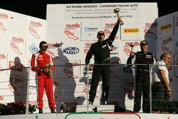 Podio Gara 1 Trofeo Pirelli: al secondo posto Marco Galassi, Team Malucelli, il vincitore Francesco La Mazza, Easy Race, al terzo posto Paolo Venerosi, Ebimotors