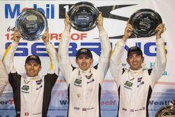 GTLM Podium: Sieger Oliver Gavin, Tommy Milner, Marcel Fässler, Corvette Racing