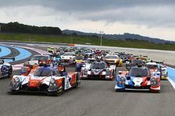 Foto de grupo de los autos