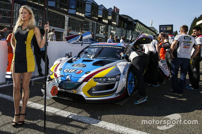 Gridgirl für #9 Team Marc VDS, Renault RS01: Markus Palttala, Fabian Schiller