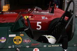 Los ganadores, parte delantera motor chasis