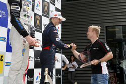 Rookie podium, Niko Kari, Motopark, Dallara F312 - Volkswagen getting the trophy of Felix Rosenqvist (2015 FIA F3 European Championship Winner,