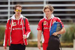 Sebastian Vettel, Ferrari mit Physiotherapeut Antti Kontsas