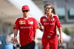 Kimi Raikkonen, Ferrari con Stefania Bocchi, Ferrari encargada de prensa