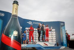 Podium: ganador, Sébastien Buemi, Renault e.Dams; segundo, Lucas di Grassi, ABT Schaeffler Audi Spor