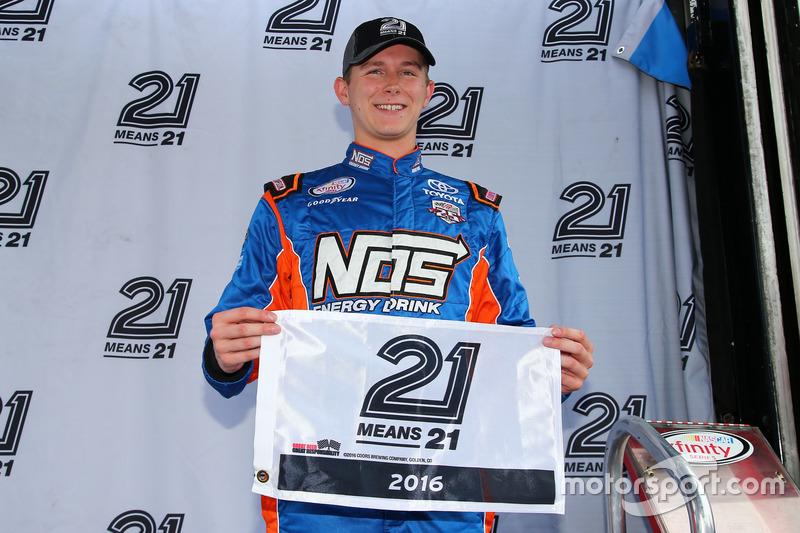 Ganador de la pole Matt Tifft, Joe Gibbs Racing Toyota