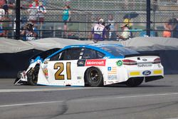 Crash: Ryan Blaney, Wood Brothers Racing, Ford