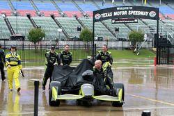 Chip Ganassi Racing Teammitglieder im Regen