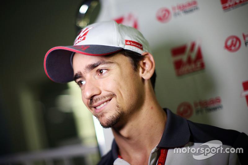 Esteban Gutierrez, Haas F1 Team con los medios