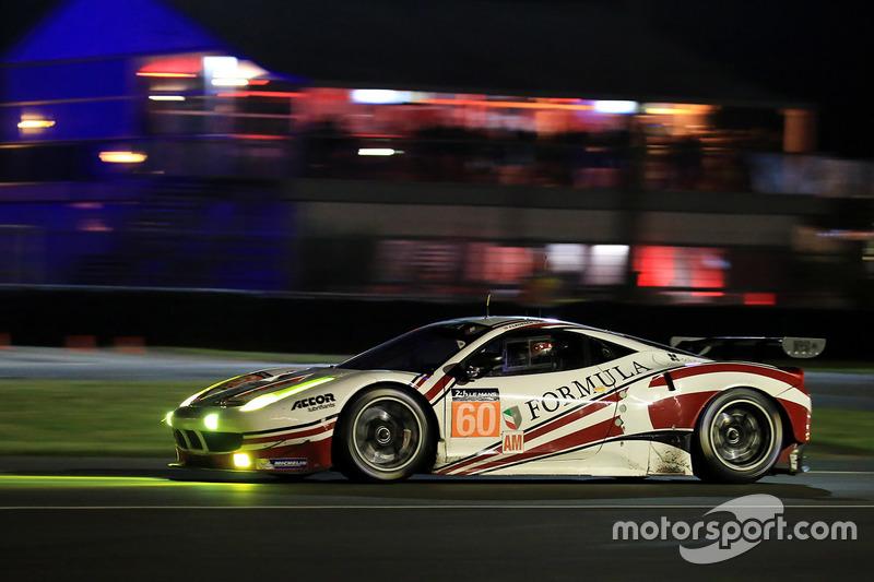 54: Ferrari 458 Italia команды Formula Racing (№60): Кристина Нильсен, Миккель Мак, Джонни Лаурсен