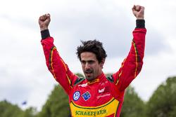 Il vinctore Lucas di Grassi, ABT Schaeffler Audi Sport