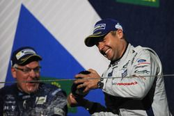 Podium GTE Pro: winnaar Andy Priaulx Ford Chip Ganassi Racing