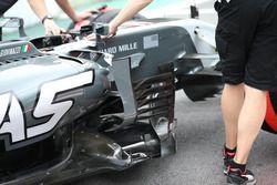 Haas F1 Team VF-17 bargeboard