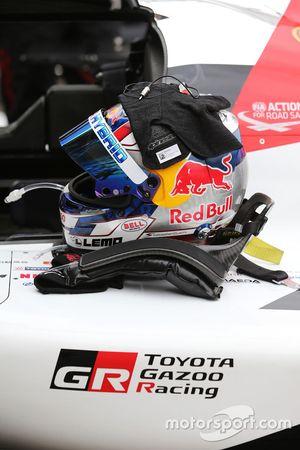 Шлем пилота Toyota Gazoo Racing Себастьена Буэми