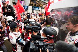 Race winner Fernando Alonso, Toyota Gazoo Racing