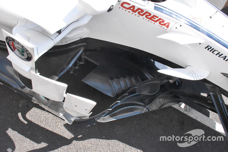 Sauber C37 side boards