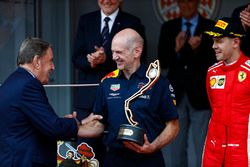 Adrian Newey, Chief Technical Officer, Red Bull Racing, is congratulated by Michel Boeri, President of the Automobile Club de Monaco