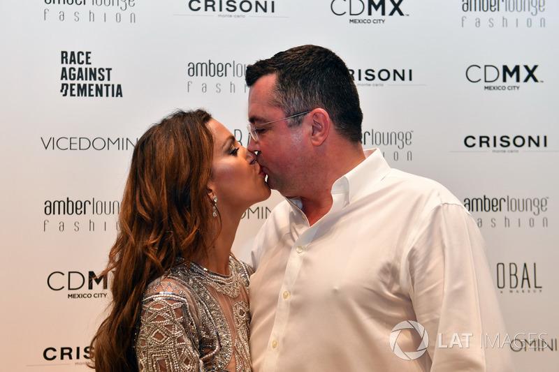 Гоночный директор McLaren Эрик Булье и его жена Тамара
