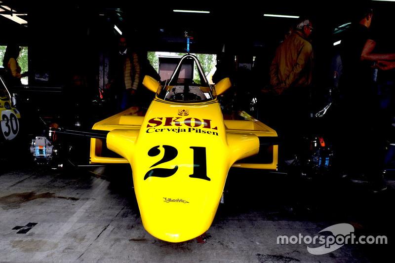 Abitacolo Fittipaldi F7